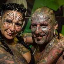 Шокирующие татуировки (56 фото)