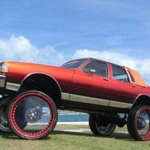 Американские машины с очень большими колесами