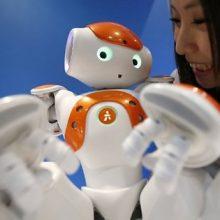 Роботы в жизни людей (22 фото)