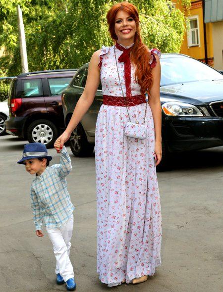 1401285600_Anastasiya-Stockaya-pokazala-publike-podrosshego-syna