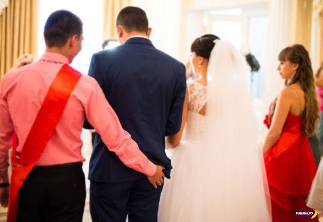 1412229865_weird_and_wacky_wedding_fun_caught_on_camera_640_41