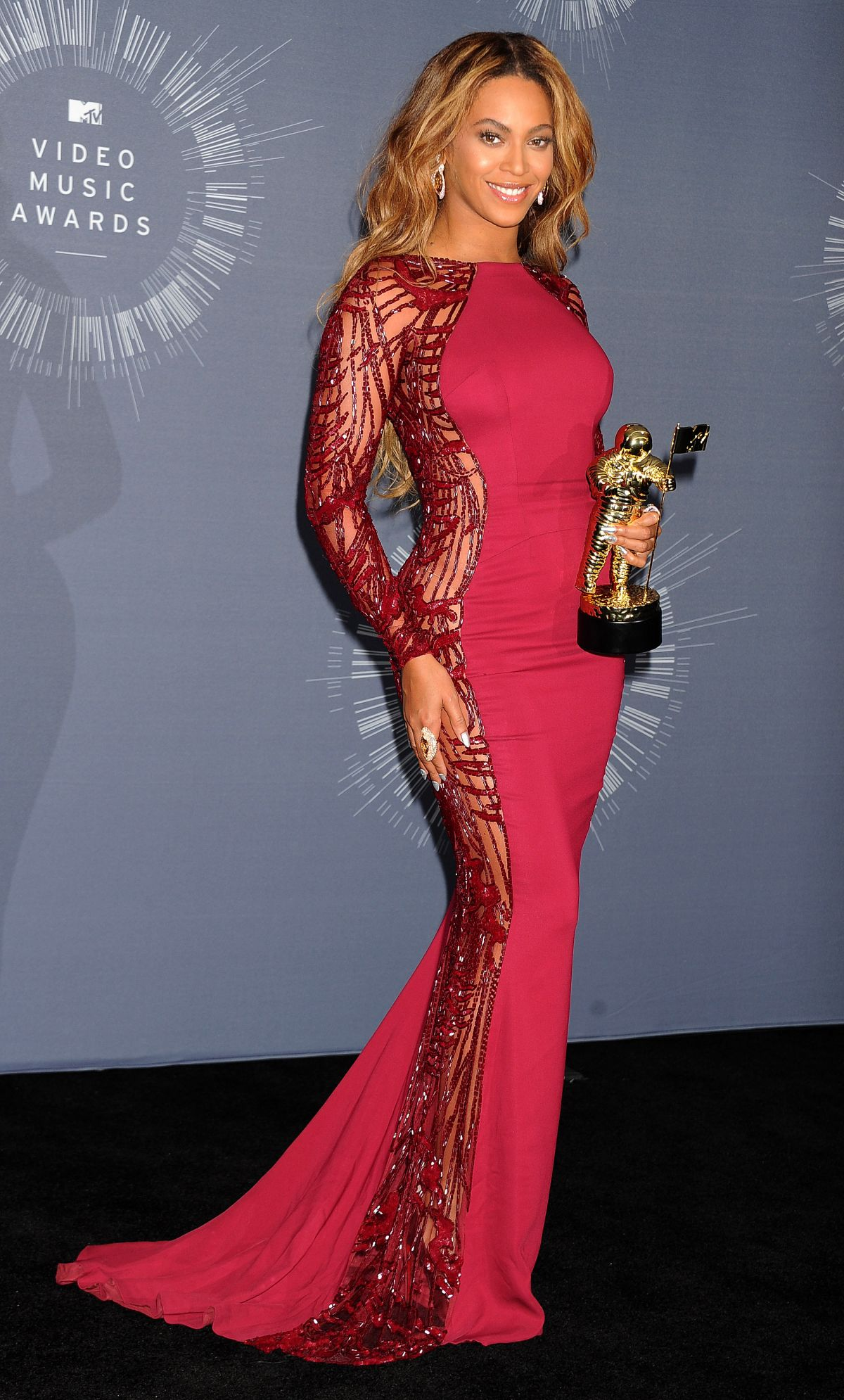 beyonce-at-2014-mtv-video-music-awards_19