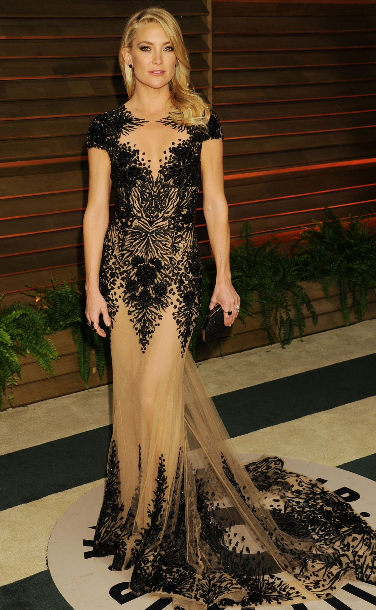 kate-hudson-in-zuhair-murad-spring-couture-gown-2014-vanity-fair-oscar-party-in-hollywood_4