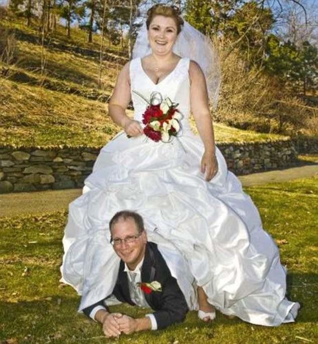 общем, толстая невеста худой жених позы для фото цвет визуально расширяет