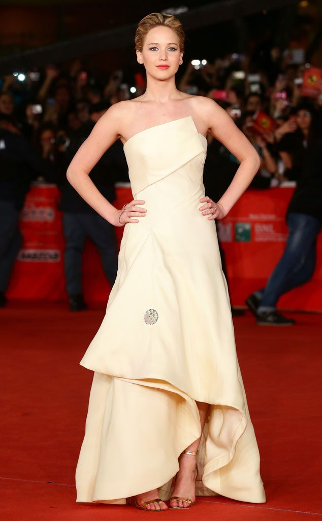 rs_634x1024-131114115909-634.jennifer-lawrence.cm_.111413