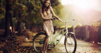 Девушки на велосипедах. (11 фото)
