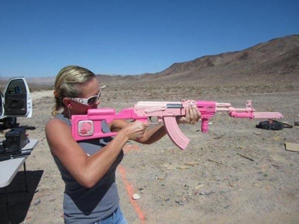 Приколы с оружием до слез (41 фото)