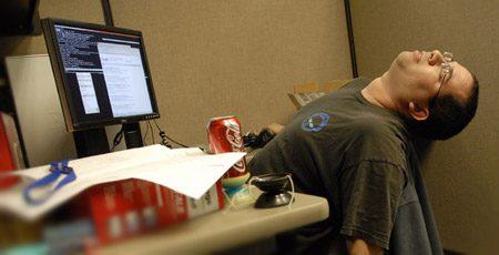 Девушка уснула на работе лабораторная работа по химии изготовление моделей молекул