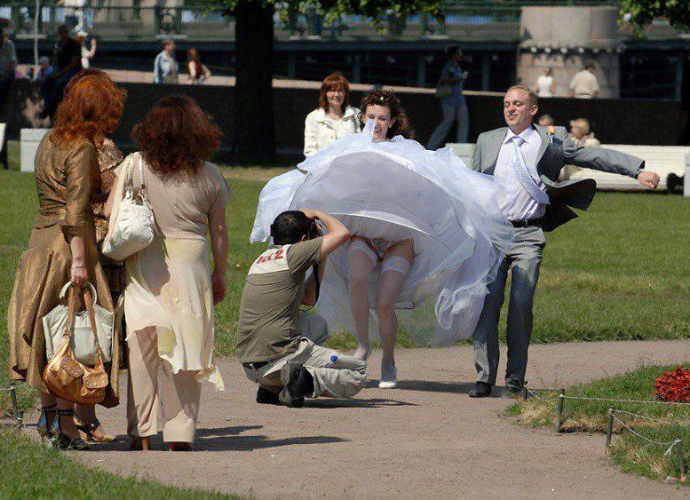 цоколе памятника фото смешные случаи с невестами столице талантливая