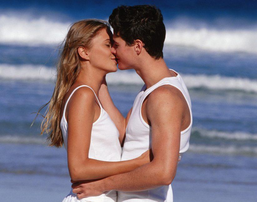 целоваться с мужчиной картинки