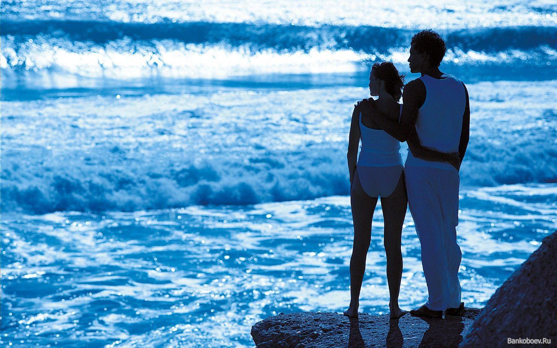 Девушка и море фото на аву в вк