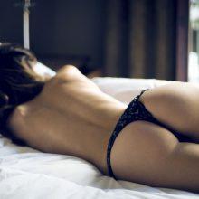 Картинки девушек в красивом нижнем белье сзади (22 фото)