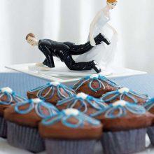 Прикольные торты на свадьбу (26 фото)