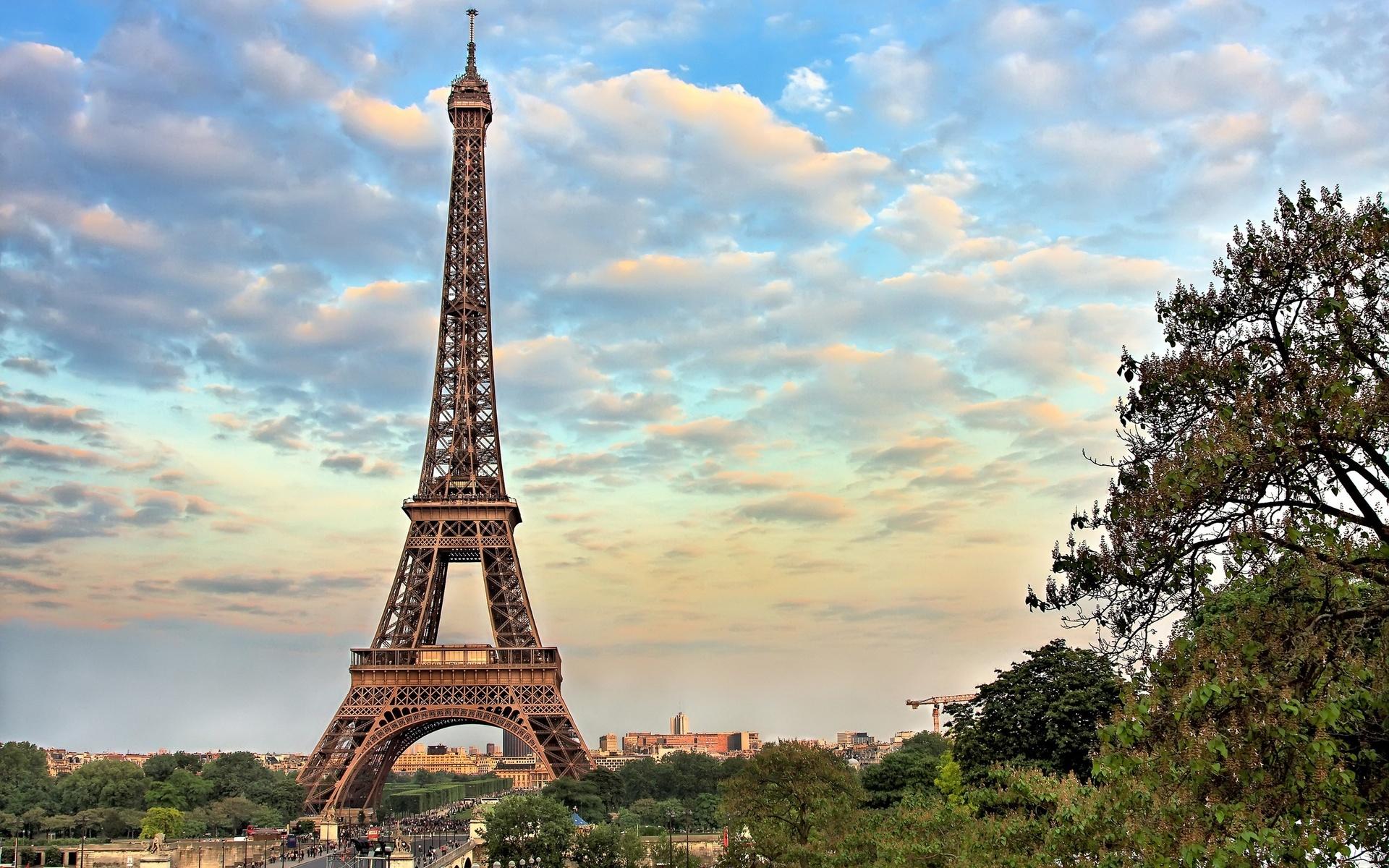 неприхотлив картинка города эйфелева башня описанием