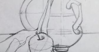 Рисунки карандашом кувшин с яблоком (18 фото)