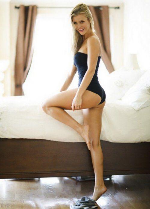 шикарные женские ножки фото обои