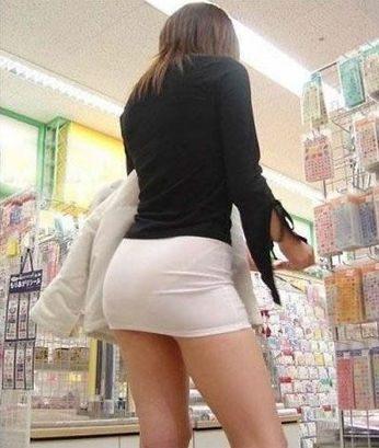 Классные тёлки в юбках