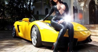 Девушки и авто. (11 фото)