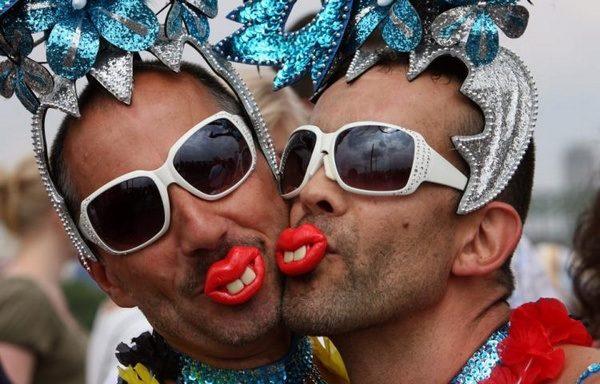 1363334738_www.nenudi.net-gay-parade1