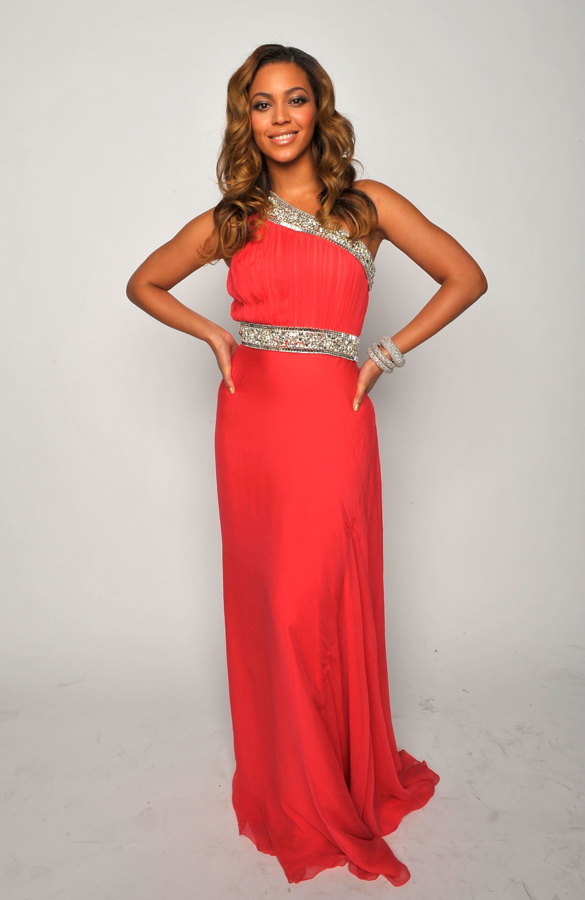 LOS ANGELES, CA - FEBRUARY 12: Singer Beyonce Knowles poses for a portrait during the 40th NAACP Image Awards held at the Shrine Auditorium on February 12, 2009 in Los Angeles, California. (Photo by Charley Gallay/Getty Images for NAACP)