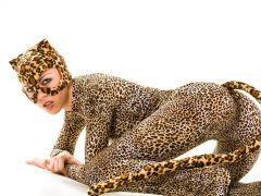 Девушки в костюмах животных. (11 фото)