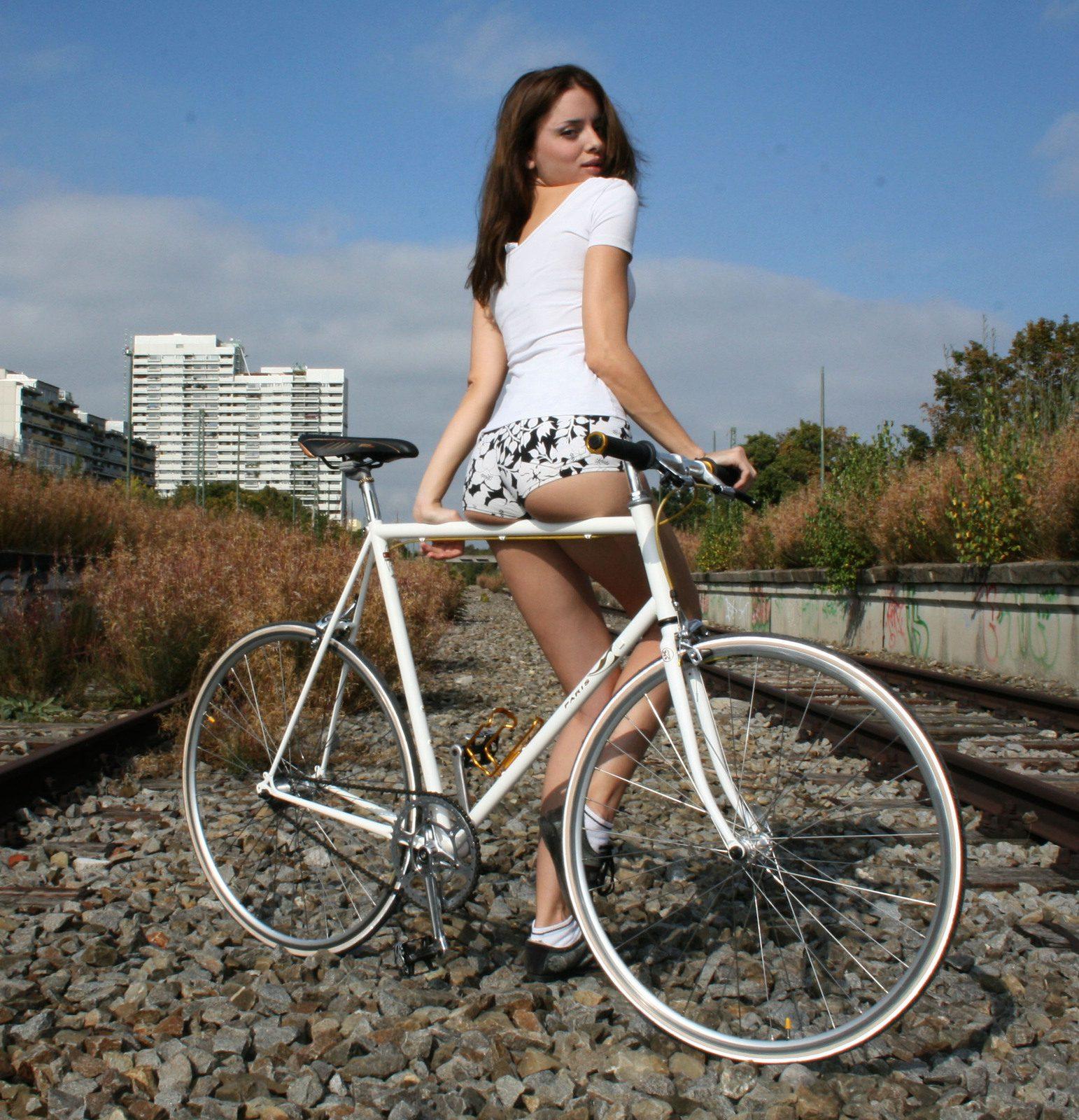 bike-girl-41