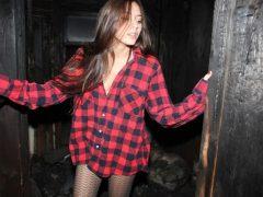Девушки в мужских рубашках. (11 фото)