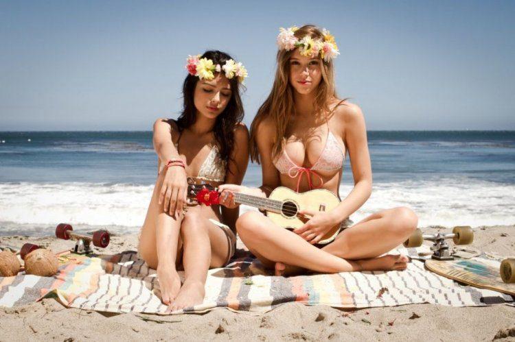 girls_bikini_03797_013