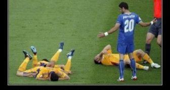 Прикольные картинки про футбол (50 фото)