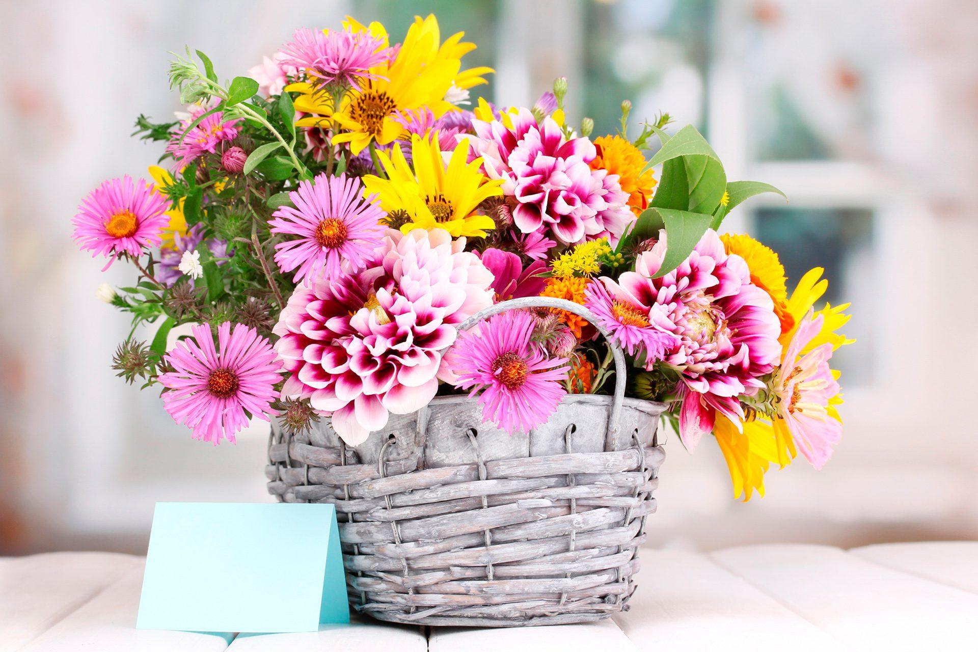 Красивые букеты цветов картинки