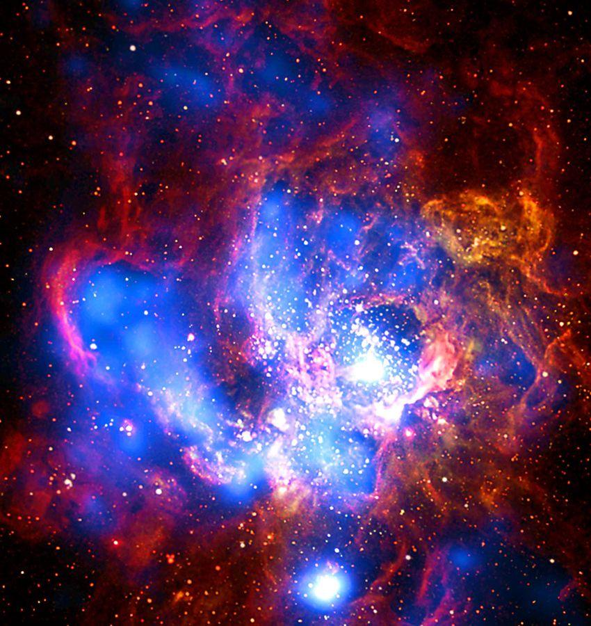 В космосе фото