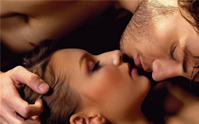 Сексуальние поцелуи