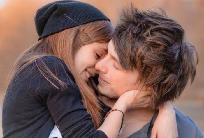 картинки девушки с парнем обнимаются