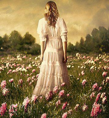 Лес красивая девушка фото