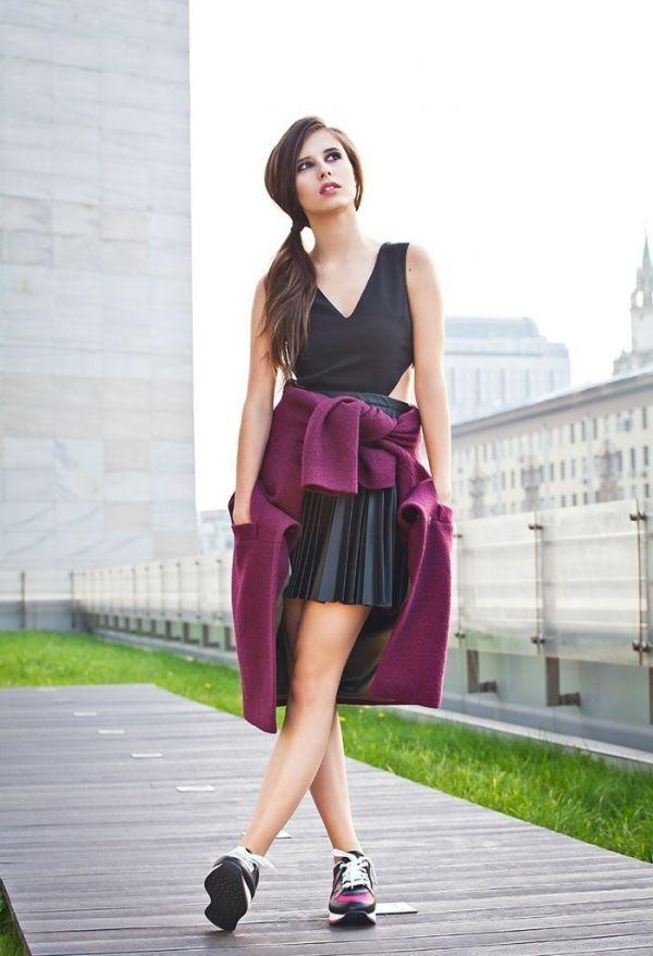 Певицы в красивых юбках